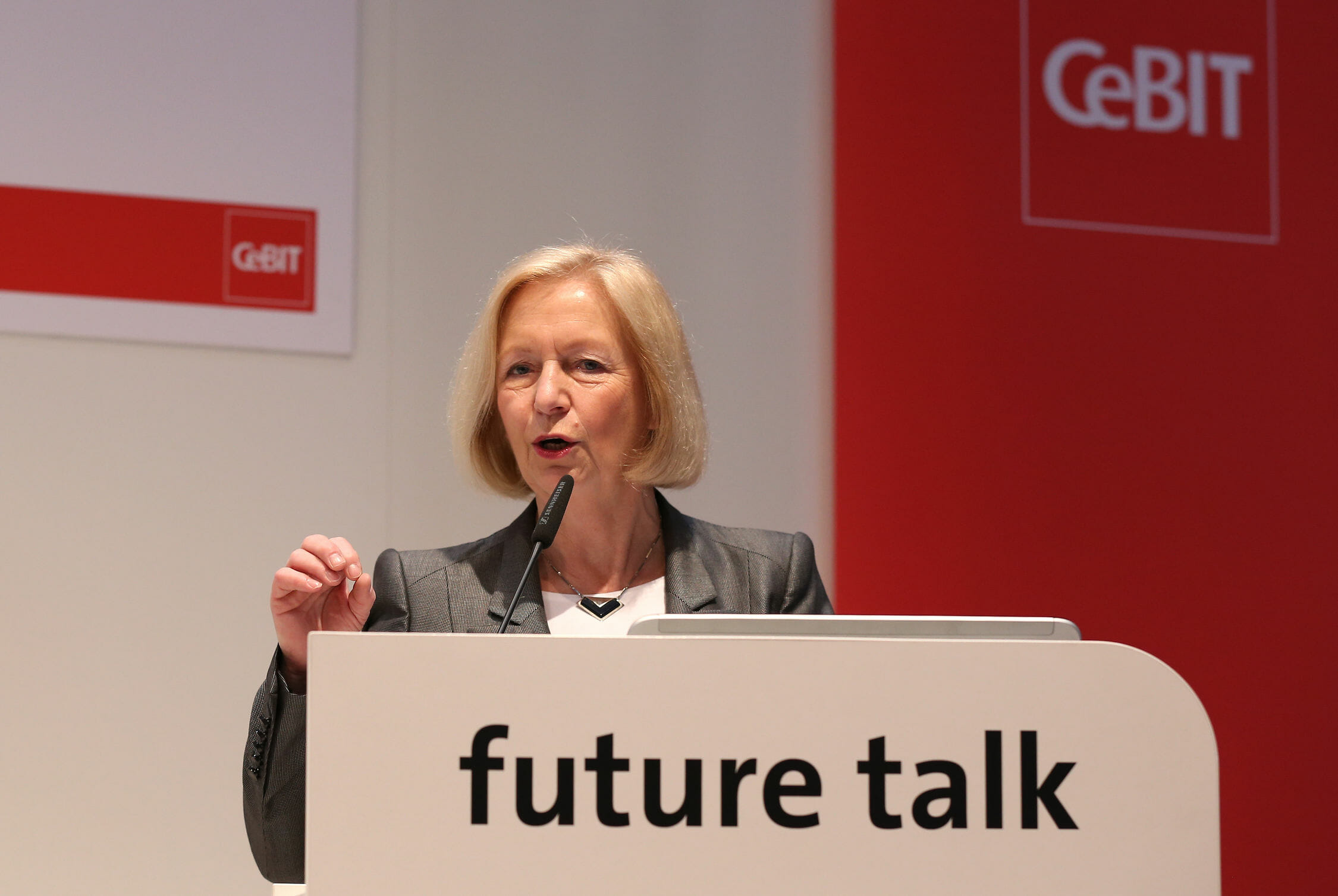 Prof. Johanna Wanka auf der CeBIT 2015.