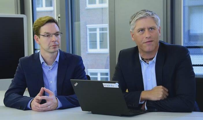 André Knieper, Leiter IT-Infrastruktur bei der Peek & Cloppenburg KG Hamburg und Jens Bruckmann, Leiter des Projekts bei Dimension Data Deutschland.