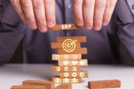 ERP-Systeme sind eine Schlüsselkomponente für Innovationsstärke – der Modernisierungs-Druck ist hoch. Hier 7 beliebte Strategien dazu.