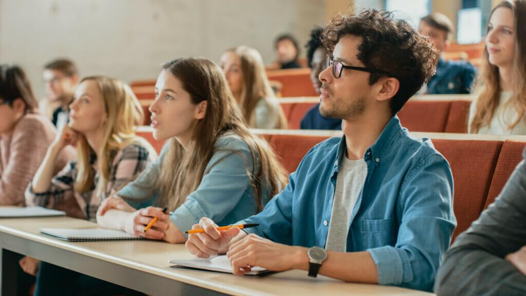 Lehrstühle an Universitäten und Fachhochschulen