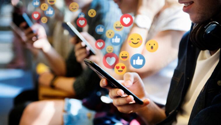 Corona Social Media
