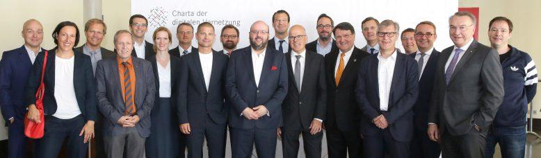 Gründungsmitglieder der Charta digitale Vernetzung