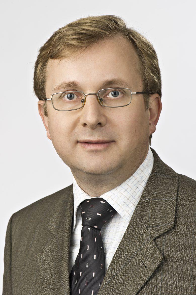 Matthias Zacher, IDC.