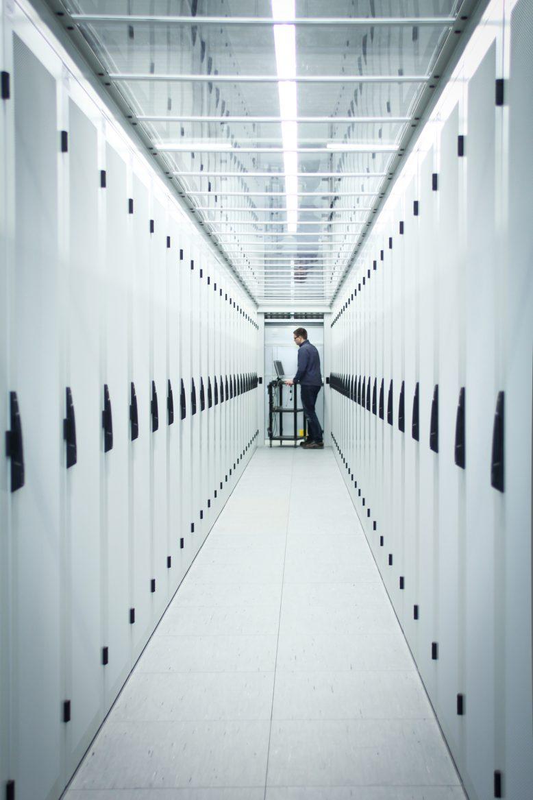 schaefer-it-systems_cold_section_2_foto_hetzner-online-ag