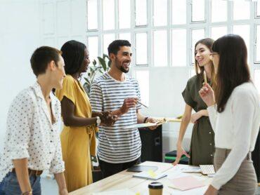 Diversität und Inklusion: Ausmaß und Fortschritte von Initiativen variieren stark